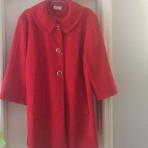 Women's 3/4 sleeve red coat